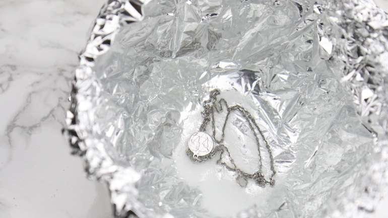 Silberschmuck reinigen: Die besten Tipps und Tricks für die Schmuckreinigung